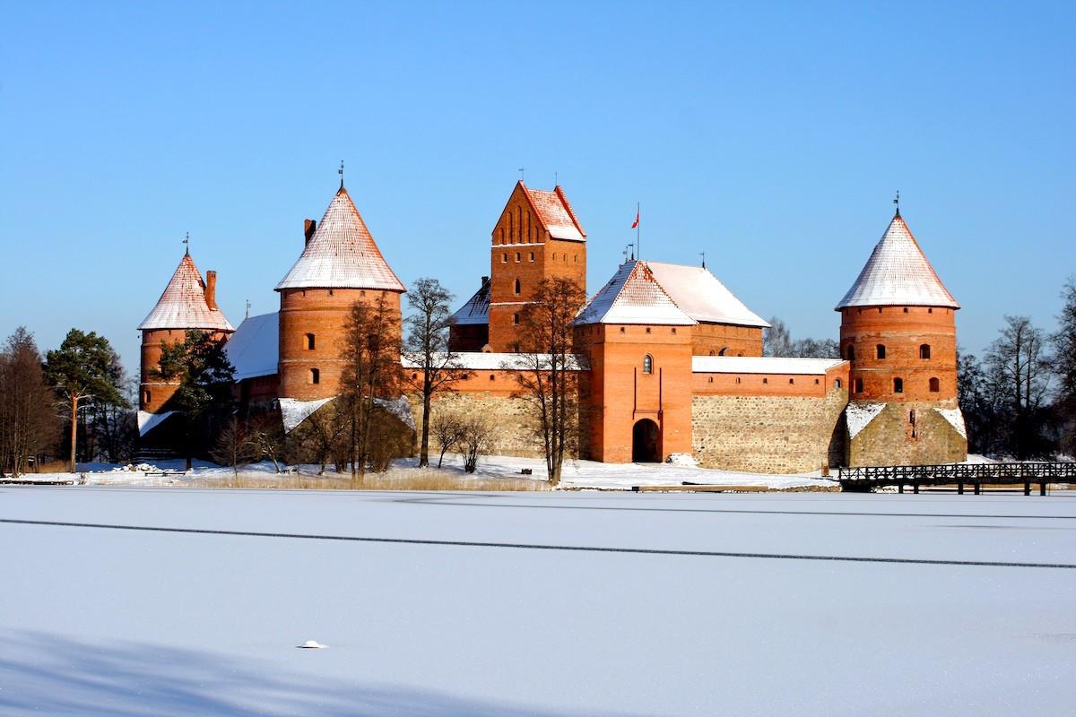 Trakai sous la neige ©Gintaras Vitulskis