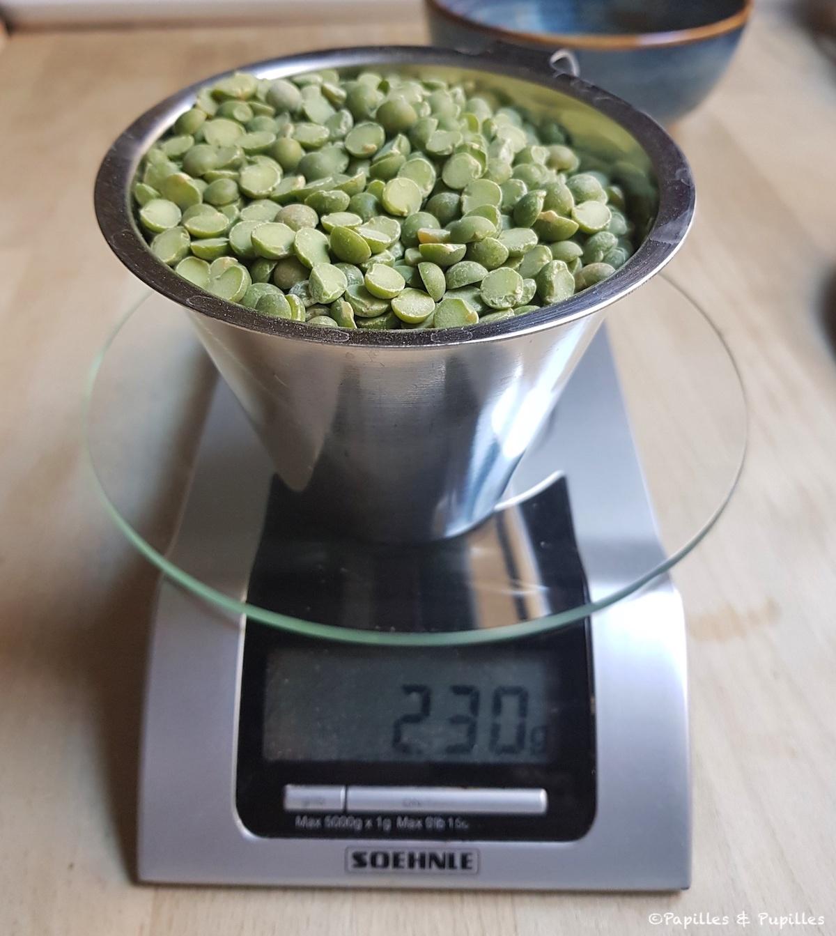 Combien pèse une tasse de pois cassés