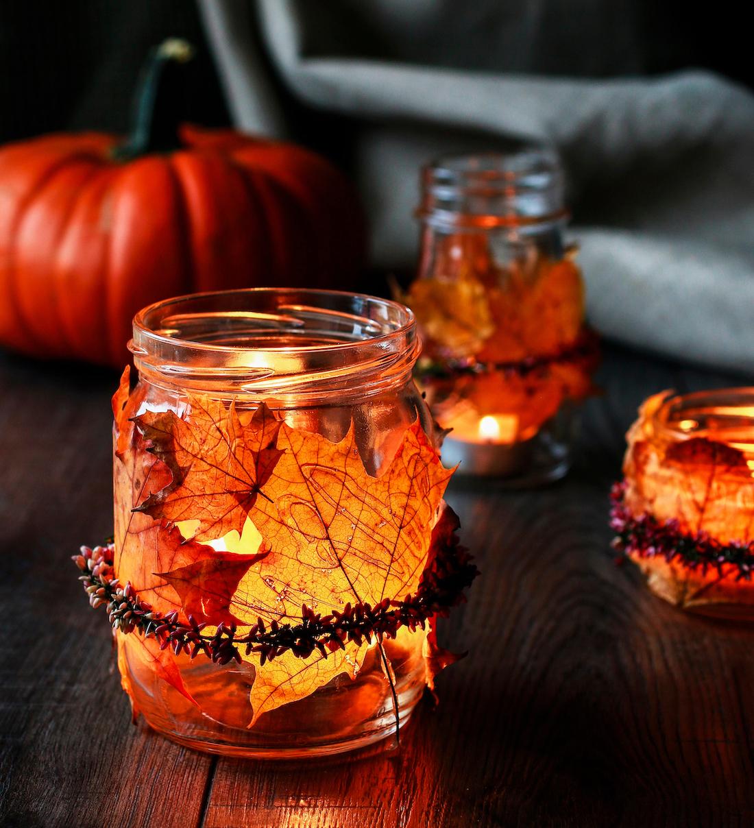 Lanternes feuilles d'automne ©Agnes Kantaruk. shutterstock