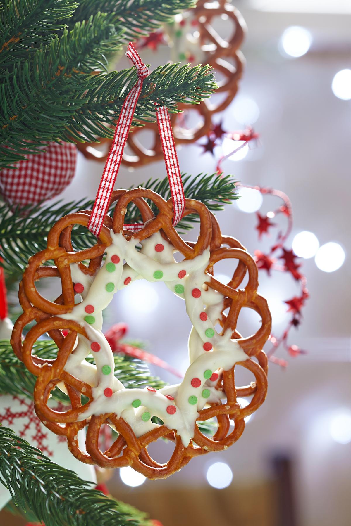 Mini bretzels ©Elena Shashkina shutterstock