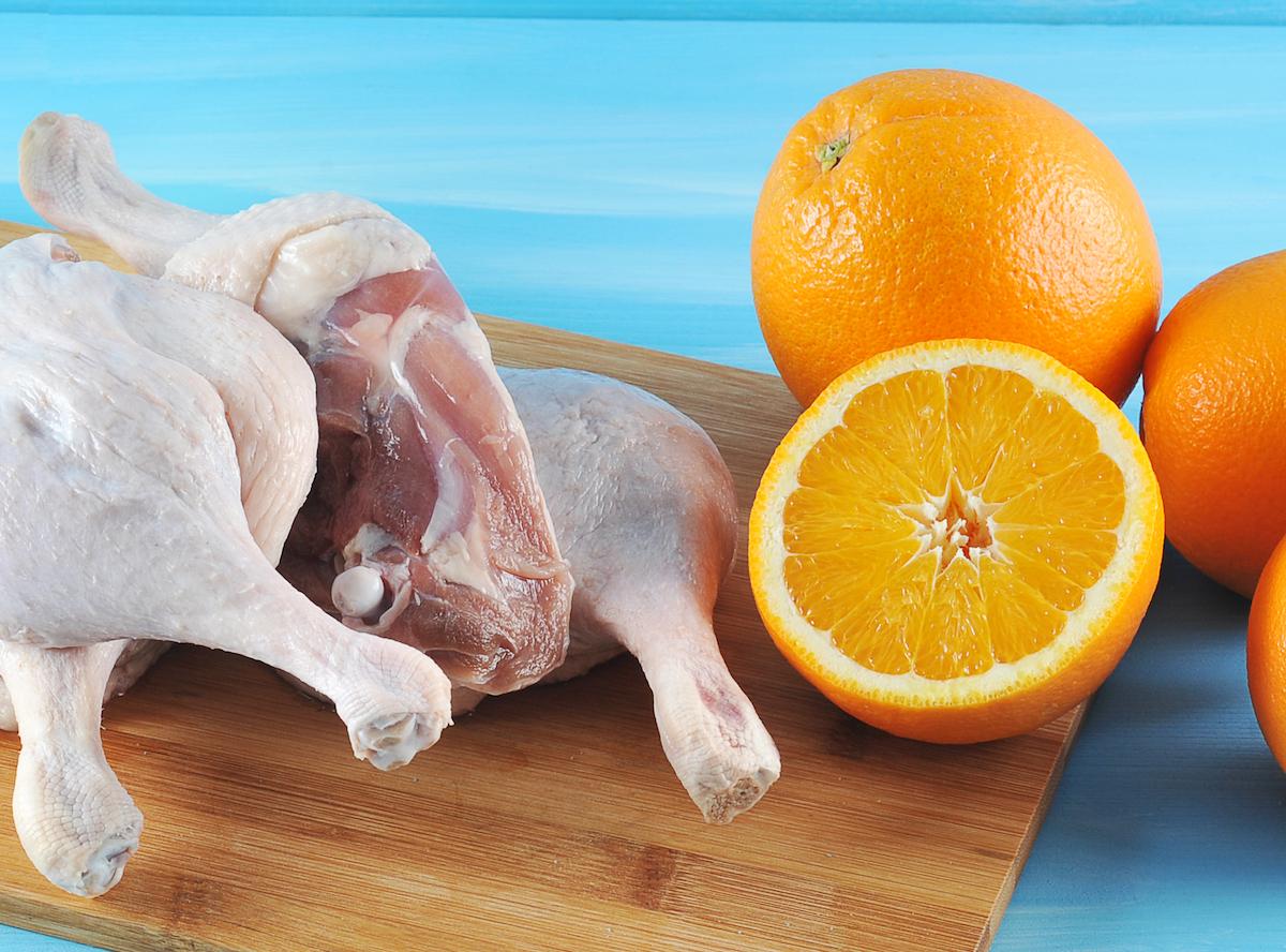 Hauts de cuisse de poulet à l'orange © Lenasirena shutterstock