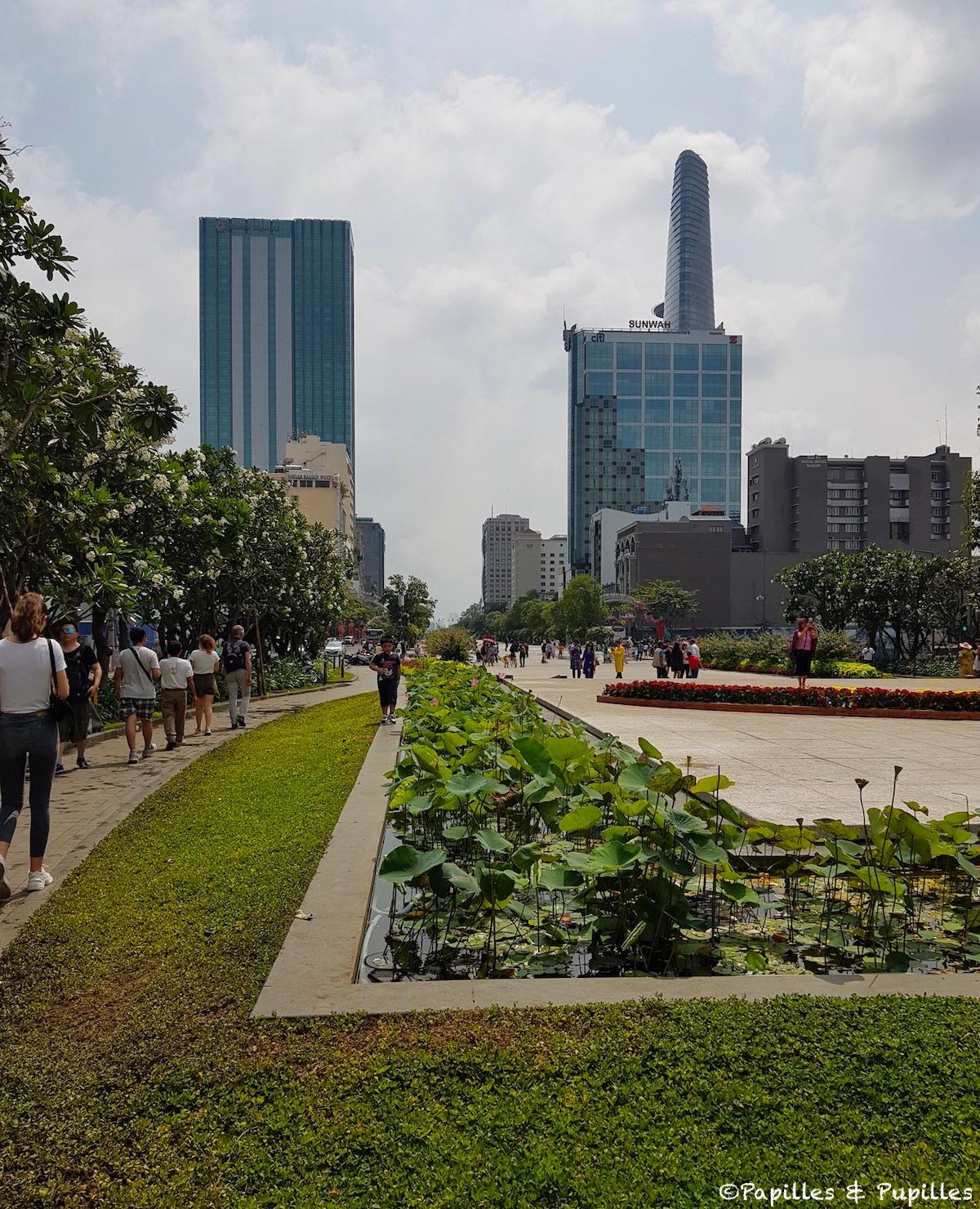 Rue Nguyen Hue - Saigon