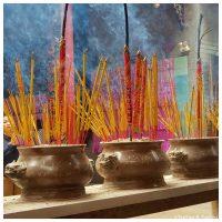 Temple Saigon Encens