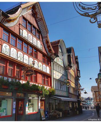 Les jolies façades peintes du village d'Appenzell