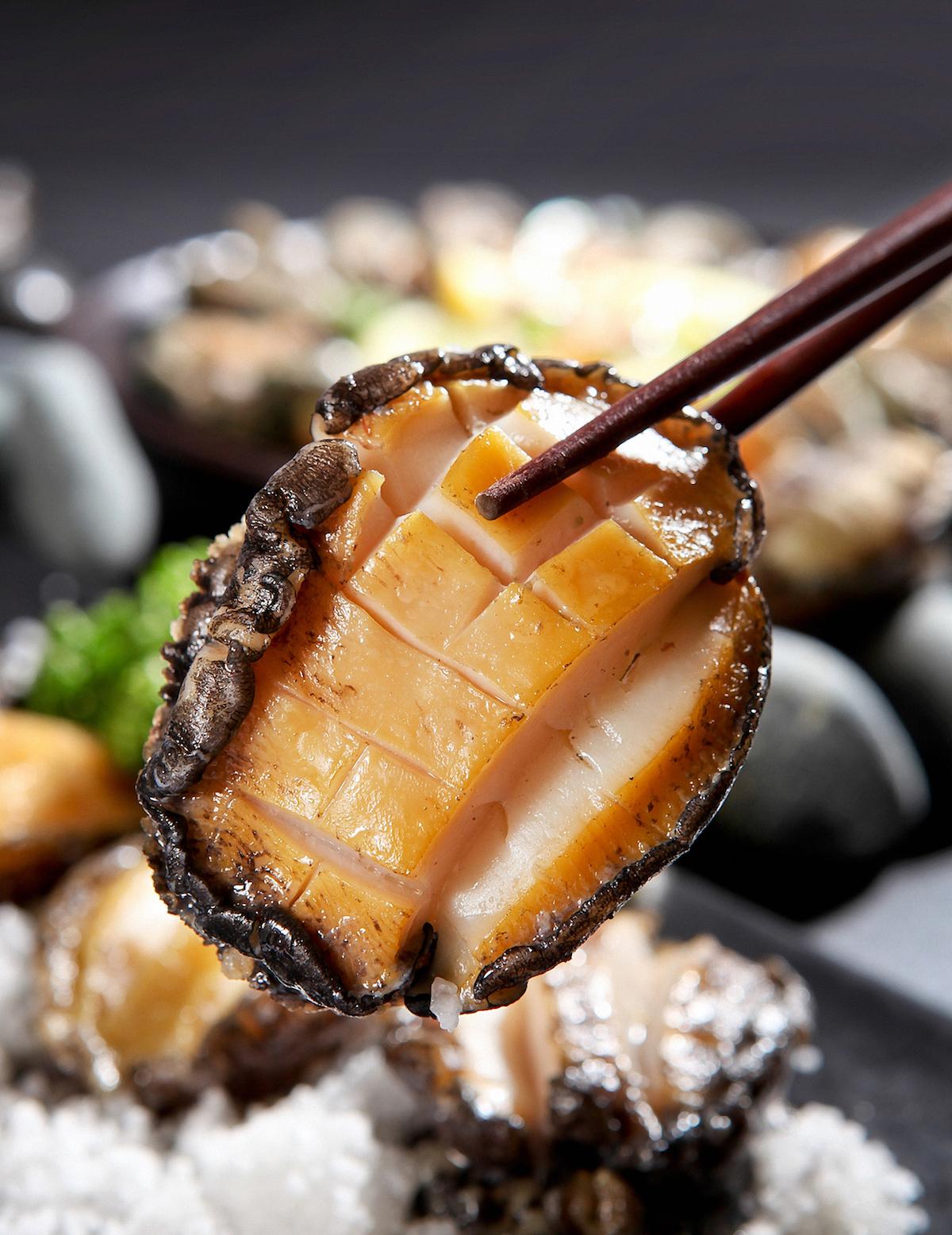 Ormeaux cuits ©Tmon shutterstock