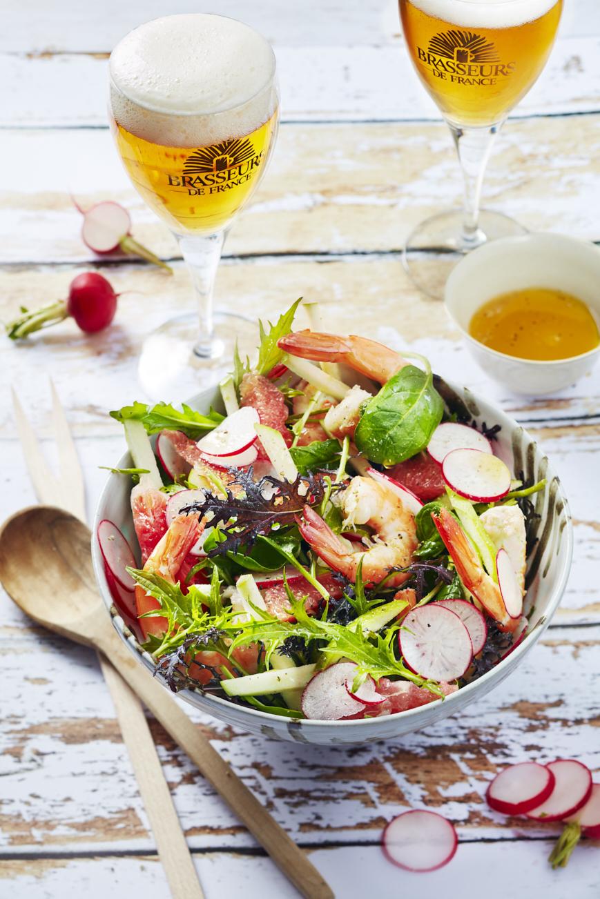 Salade de crevettes, radis, pamplemousse, pomme @Amelie Roche-Brasseurs de France