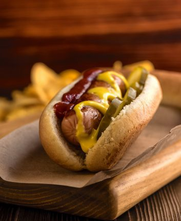 Hot dog ©nikolaskus shutterstock