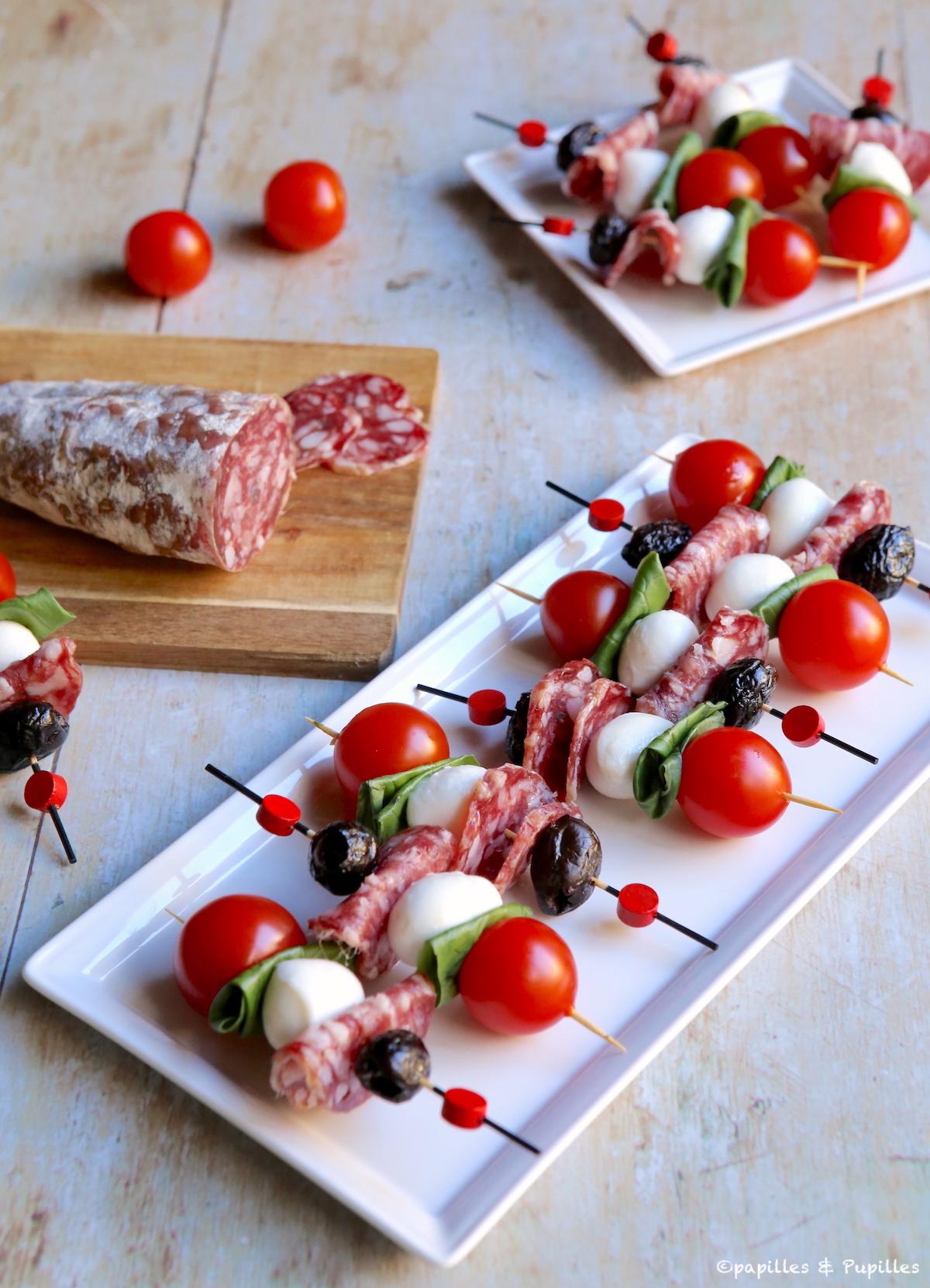 Brochettes de saucisson tomates mozzarella
