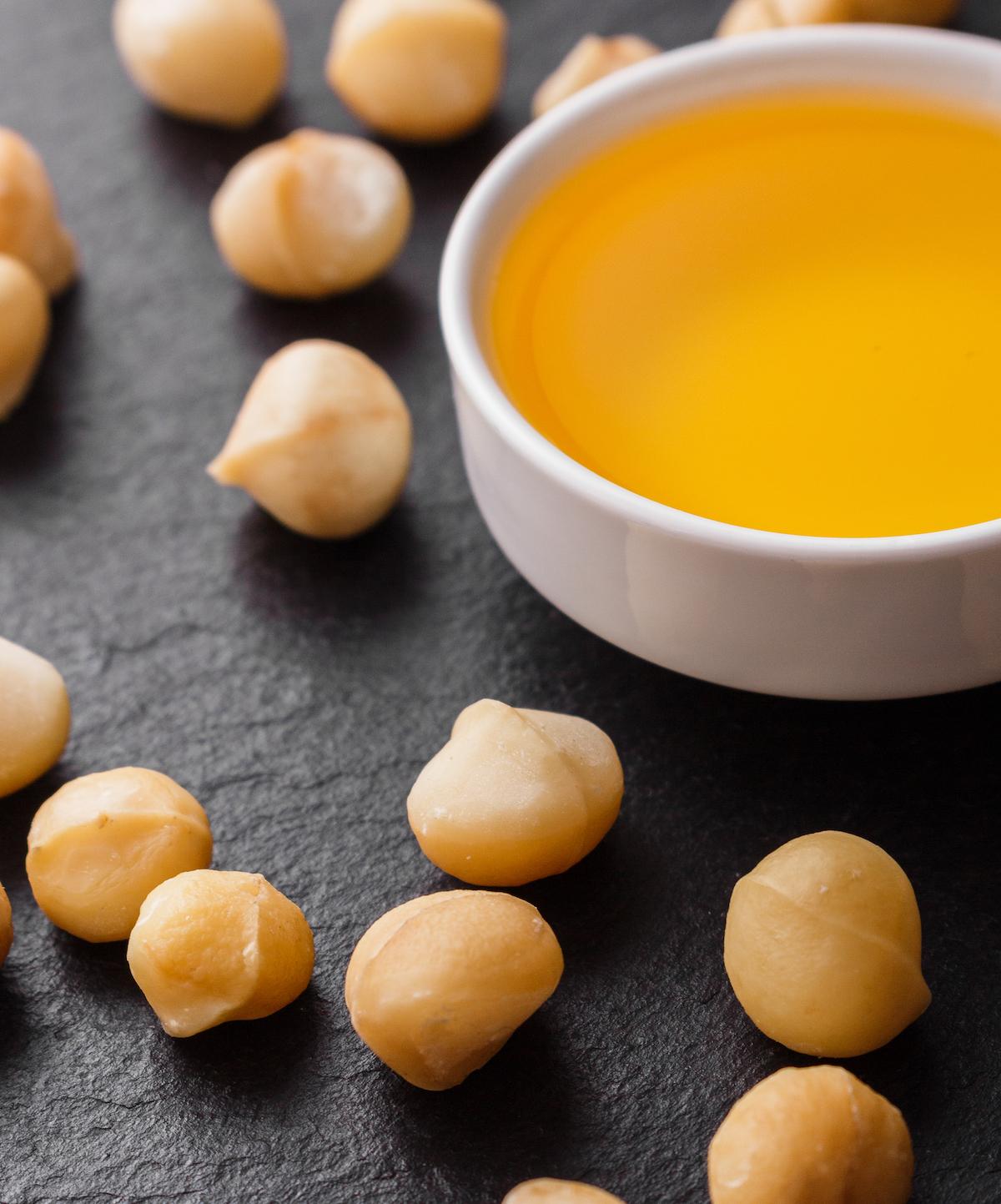 Huile de noix de macadamia ©Narsil shutterstock