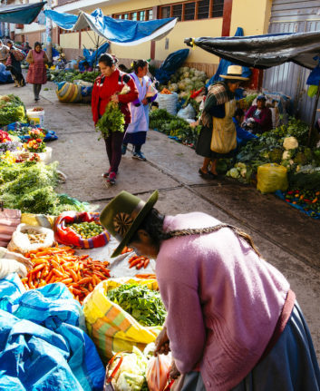 Marché d'Urubamba ©Joerg Steber shutterstock