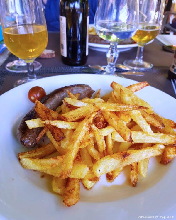 Saucisse et frites, maison