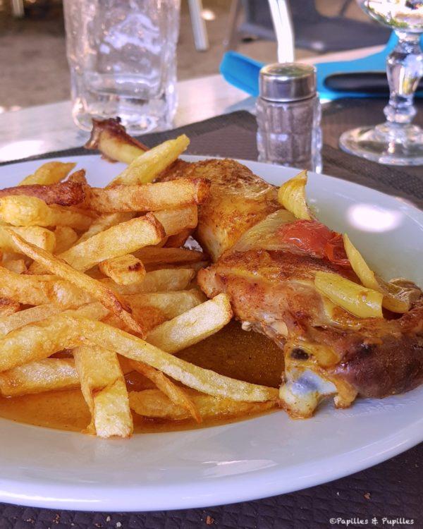 Poulet et frites, maison - L'auberge du Cantou
