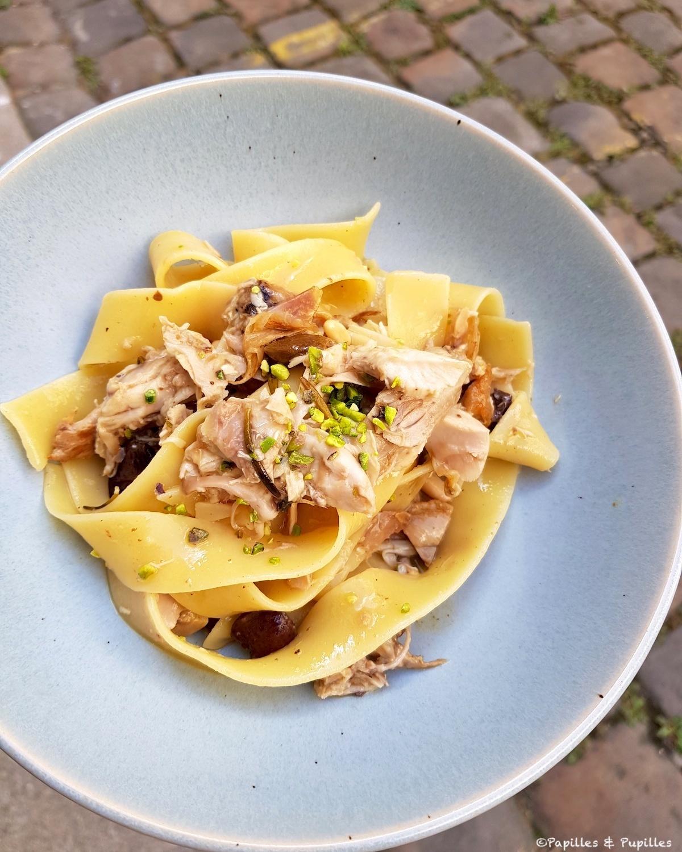 Pappardelle au lapin, olives et pistaches