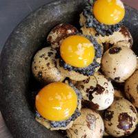 Pomme de terre, caviar et oeufs de caille, l'association parfaite
