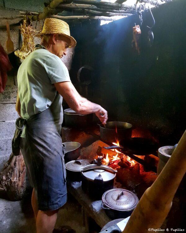 Mr Morel en pleine cuisine