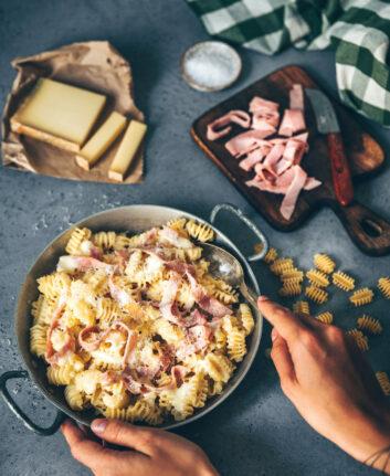 Pâtes au jambon, fromage et huile de truffe ©Madrange