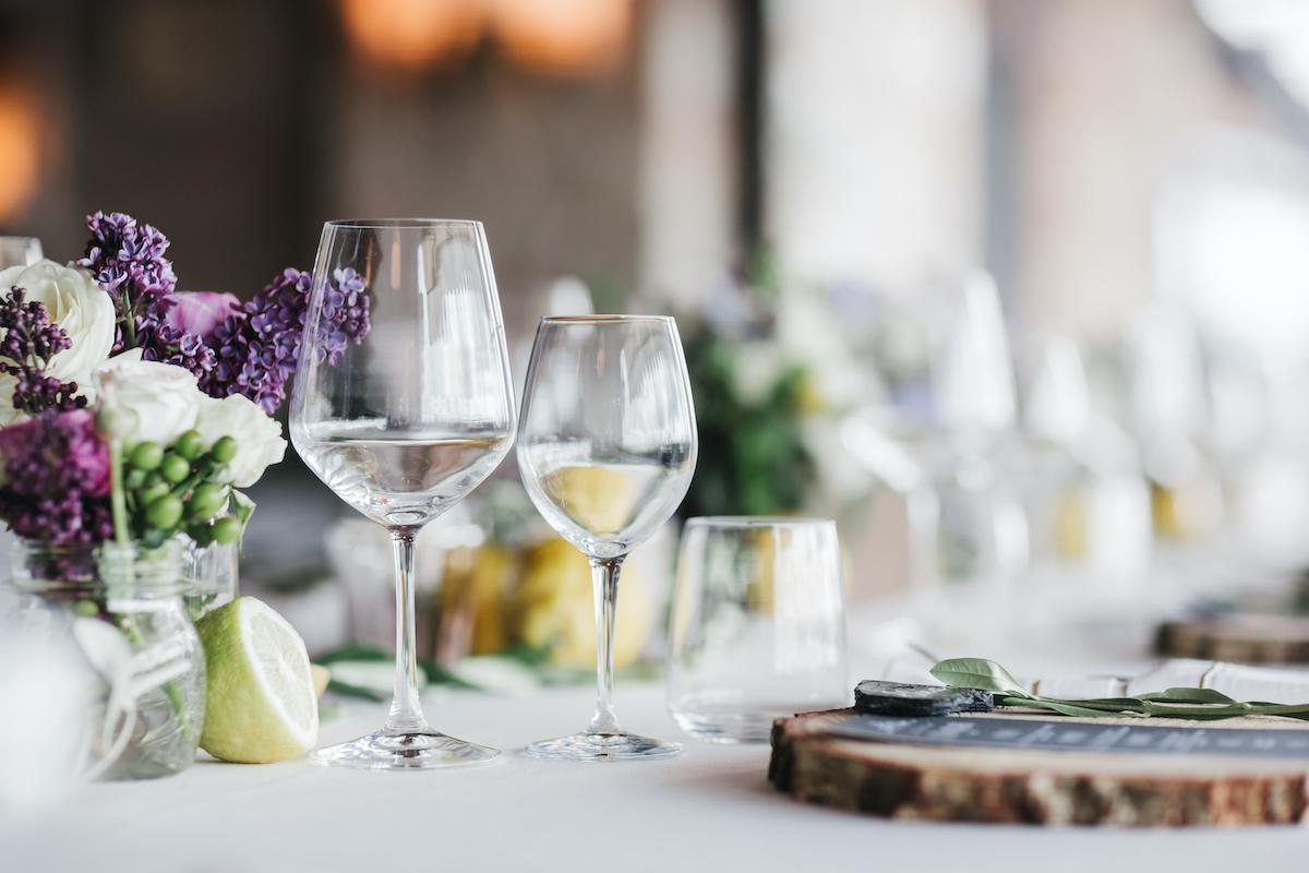 Table restaurant ©Andrey Bayda shutterstock