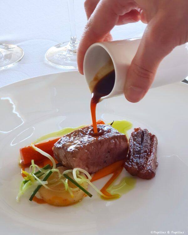Selle d'agneau, carottes des sables & céleri, jus concentré