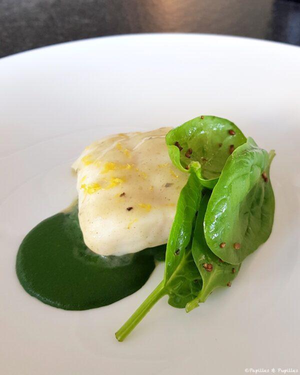 Turbot de la Cotinière, épinars & oignons, laitue de mer