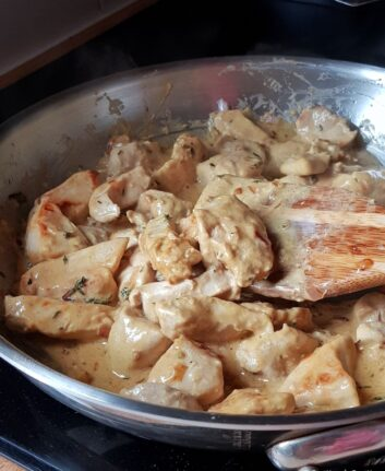 Blancs de poulet, crème et moutarde