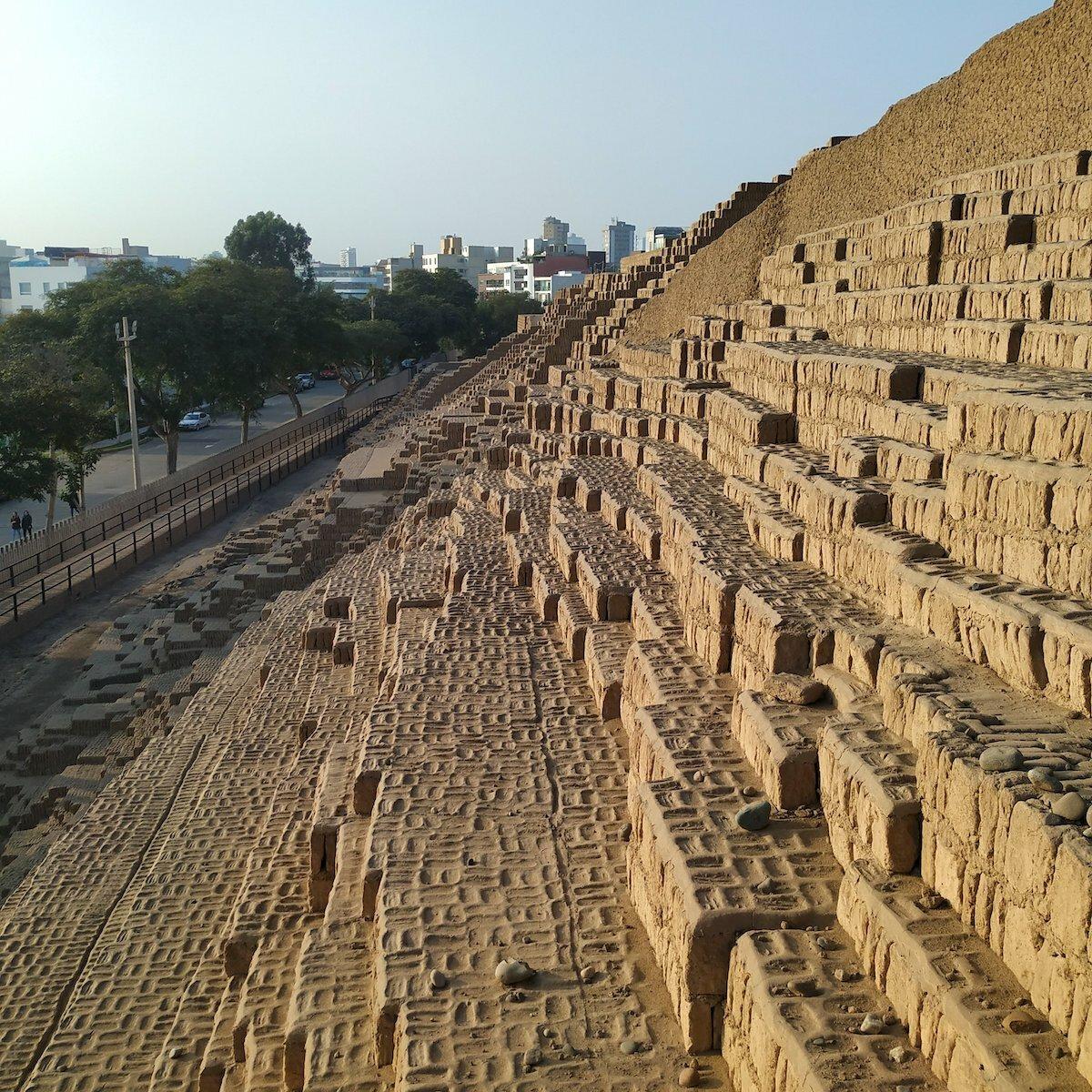 Face Ouest de la Grande Pyramide - Huaca_Pucllana De Joshuaraz - Trabajo propio, CC BY-SA 4.0