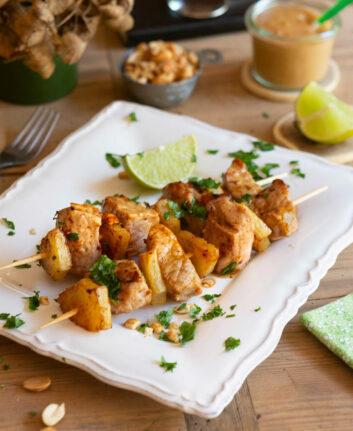 Brochettes de veau ananas cacahuètes