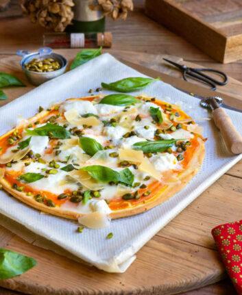Pizza carottes mozza burrata pistaches