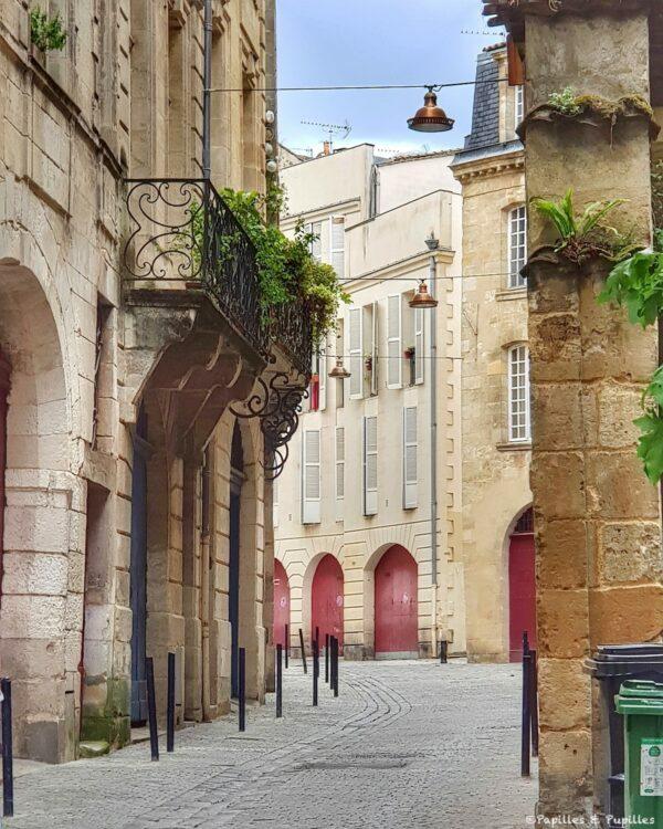Bordeaux - Rue du Puits Descazeaux