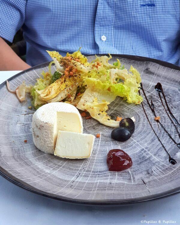 Le crottin de Chavignol, salade à l'huile de noix