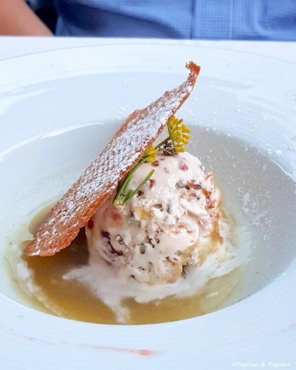Nougat glacé aux fruits confits de la Colle-sur-Loup, coulis à l'anis