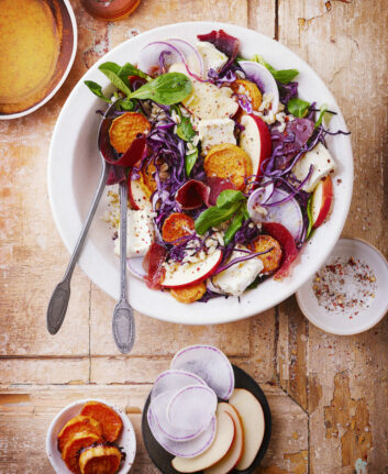 Salade automnale façon bowl au Brillat Savarin