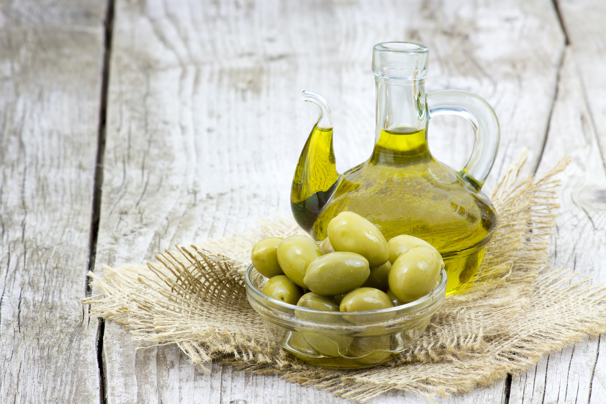 Huile d'olive © Mira Drozdowski Shutterstock