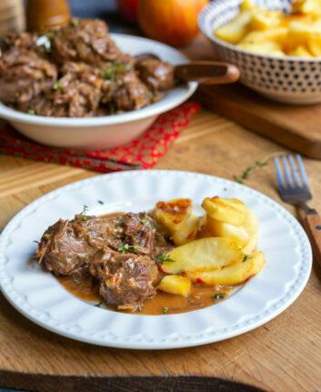 Joues de porc aux pommes, cidre et sirop d'érable