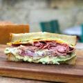 Le sandwich au pastrami de Fred's