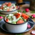 Salade de saumon fumé de l'Alaska au concombre