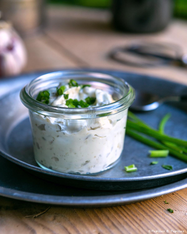 Sauce au yaourt et ciboulette