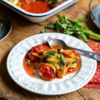Gratin de courgette, Parmesan et mozzarella, sauce tomate