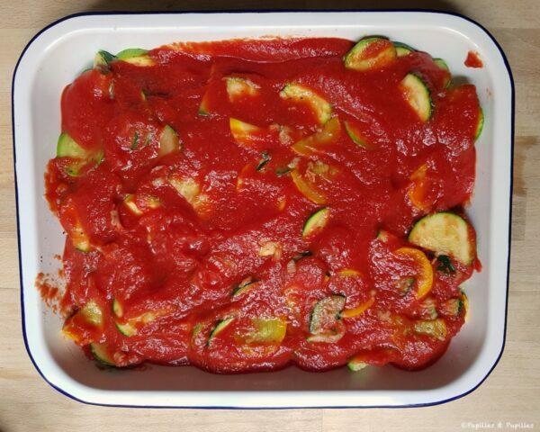 On ajoute la sauce tomate