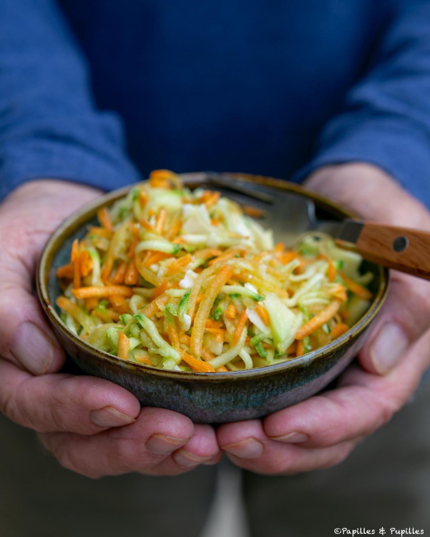 Salade de courgettes et carottes à l'ail et au gingembre