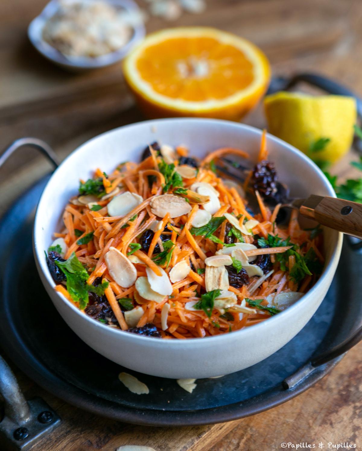Salade de carottes râpées aux saveurs orientales