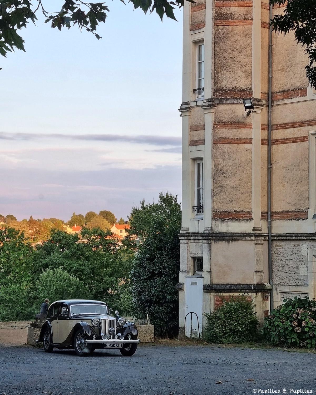 Château de la Morinière et voiture