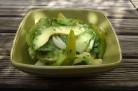 Salade toute verte aux tomates Green Zebra et à l'avocat