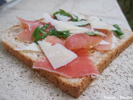 croque monsieur jambon de Parme, Parmesan et basilic