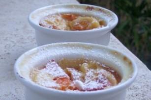 Mini clafoutis aux abricots et aux pistaches