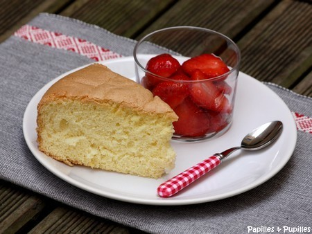 Gâteau de Savoie et fraises