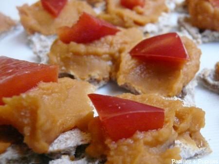 Tartine amarante multicéréales, purée haricots blancs poivrons à l