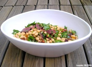 Salade de haricots blancs au magret séché