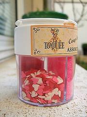décoration pour gâteau - Petits coeurs colorés