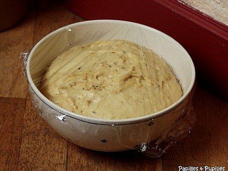 pâte à brioche en train de lever