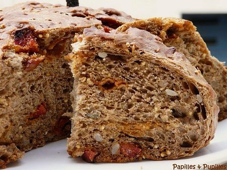 Pain à la farine aux céréales et au chorizo